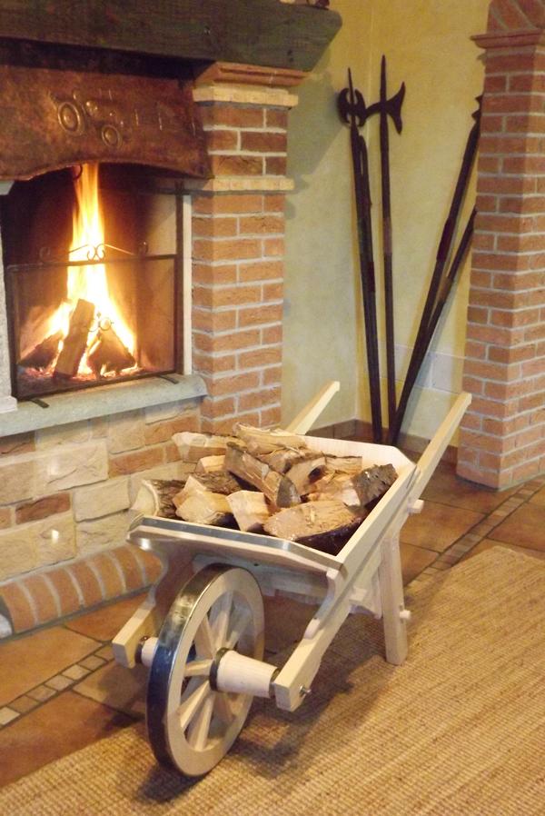 Complementi d 39 arredo in legno bottega del carradore for Arredamento in legno